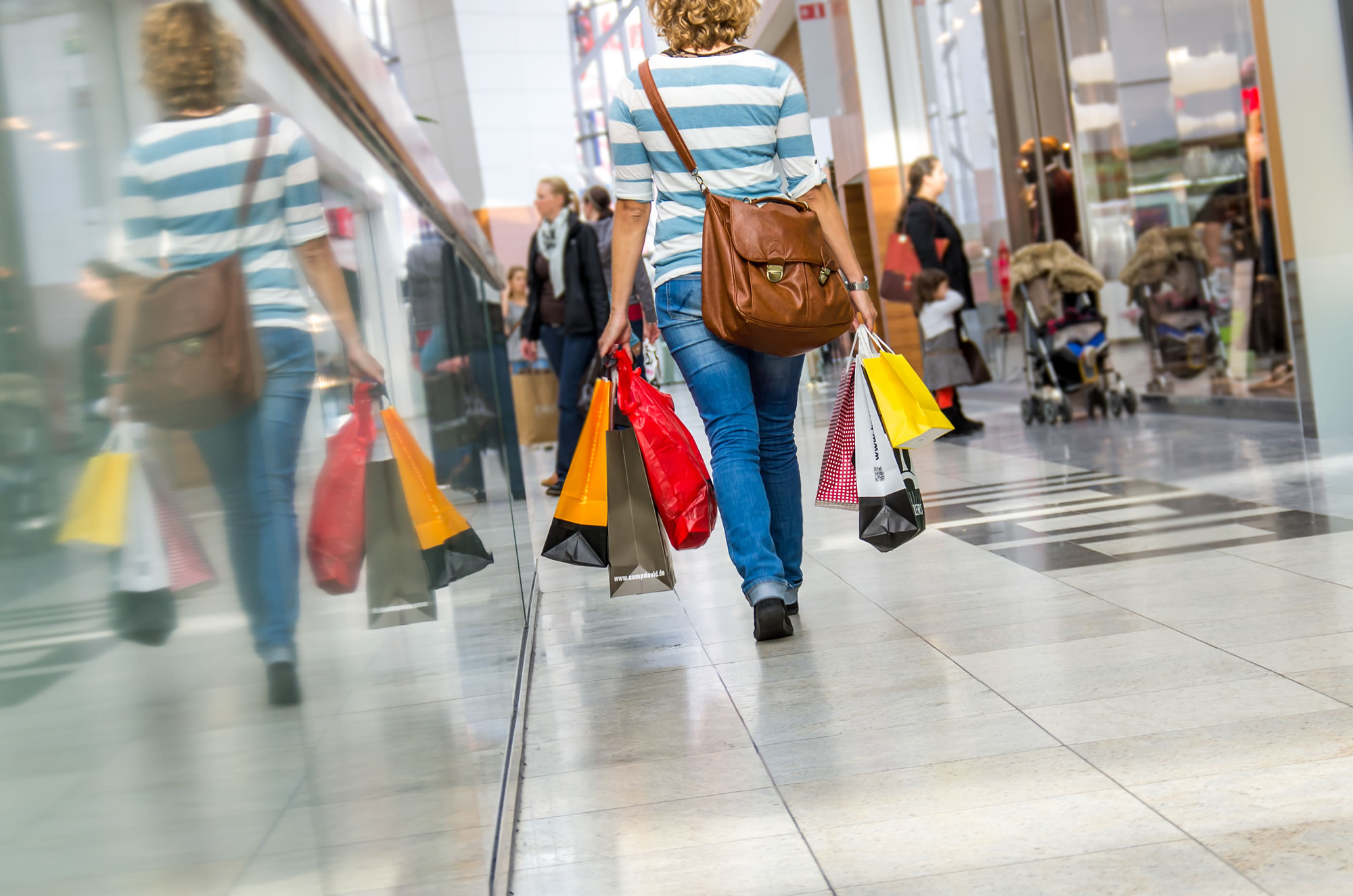 Shopping and Store Injury Compensation - No Win, No Fee / Accident & Personal Injury Solicitors / Accident Claims UK