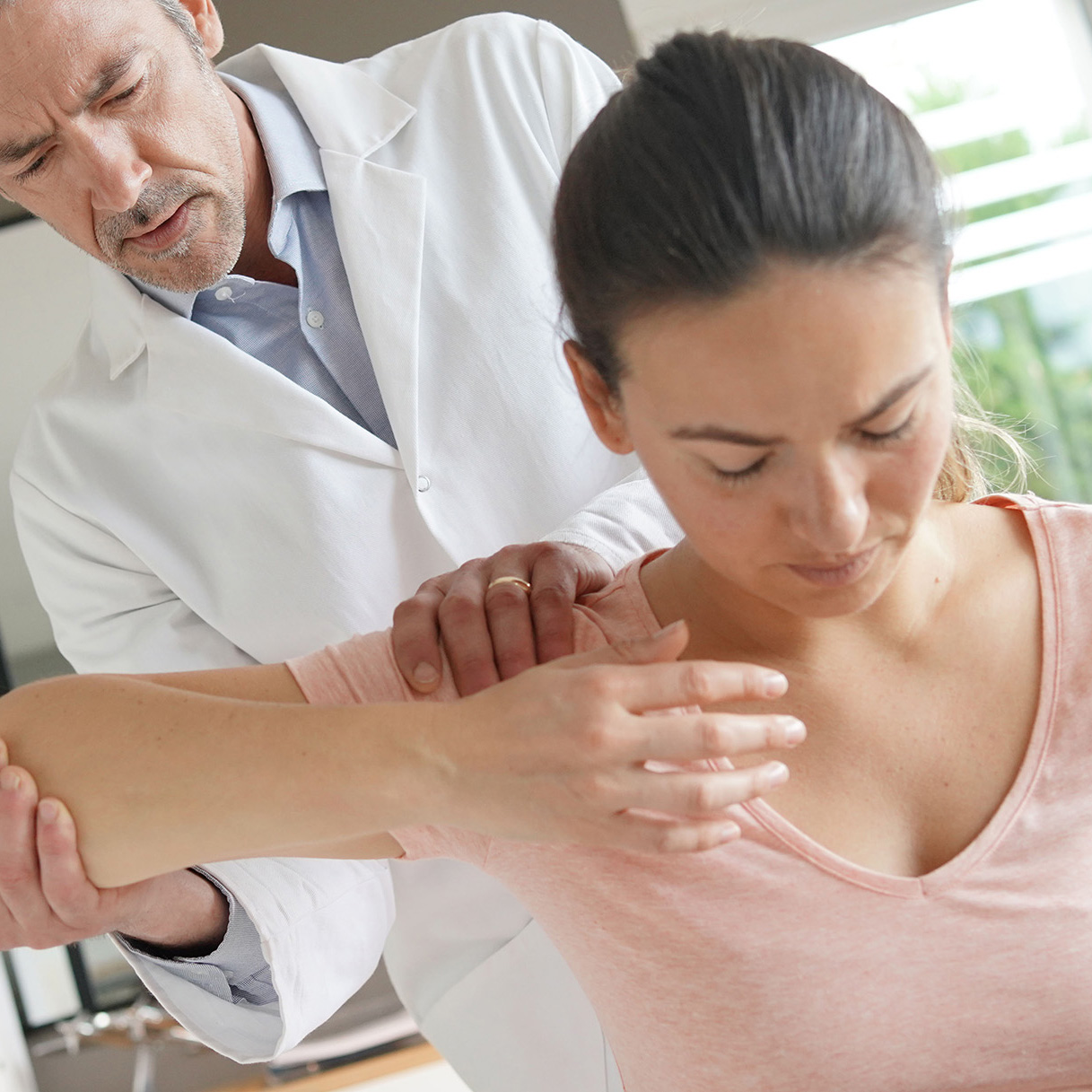 Shoulder Dislocation Injury Compensation - No Win, No Fee / Accident & Personal Injury Solicitors / Accident Claims UK