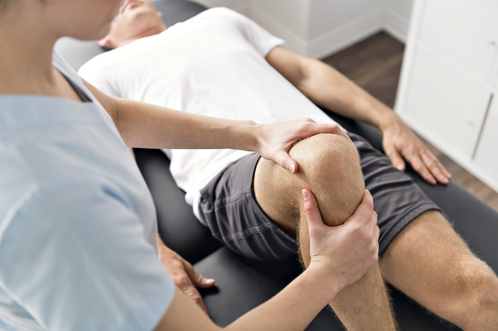 Knee injury compensation claims - physiotherapy